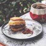 高级感早餐|黑醋栗布林夹面包