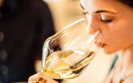 世界上最香的 5 种白葡萄酒啊