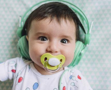 初乳有毒不能让宝宝喝?别秀智商了!