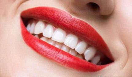 为什么牙齿会拥挤?
