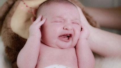 什么是新生儿反射动作?| 育儿知识