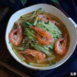 2月这菜是小人参,才一块一斤,和虾一起炖超级鲜,老少都爱吃