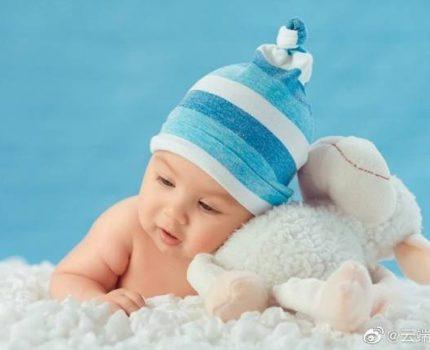 """新生宝宝也会长""""黑眼圈""""吗?眼周黑黑的是怎么回事?"""