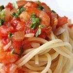 虾仁西红柿炒意面,用料简单有营养
