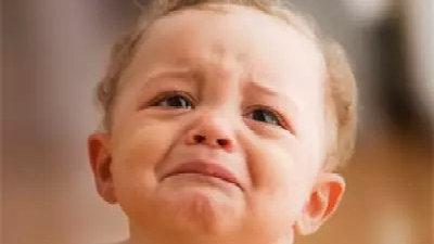 宝宝睡觉哭闹最有可能的7个原因