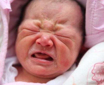 """宝宝满月,为什么有""""挪尿窝""""的说法?抛开迷信,发现有科学道理"""