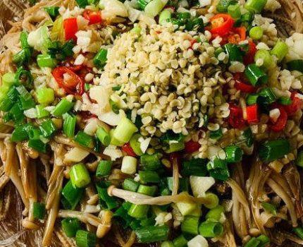 火麻仁双丝蒸金针菇,做法简单,鲜美开胃