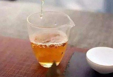 """茶友提问:如何区分福鼎白茶与福建地区的""""其他白茶""""?"""