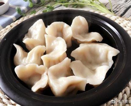 7月初吃饺子,韭菜白菜靠边站,此菜做馅鲜香多汁,补钙还补蛋白
