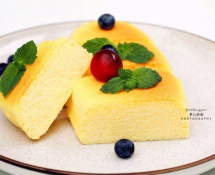 一盒酸奶,2个鸡蛋,教你做好吃不长肉的蛋糕,口感绵柔入口即化