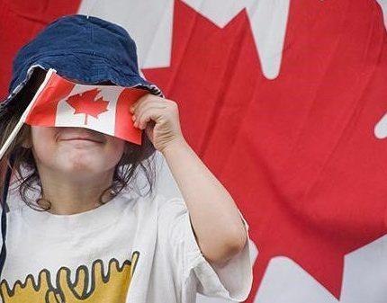 单身未婚妈妈怎么去加拿大生孩子呢?