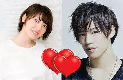 官宣!花泽香菜宣布与小野贤章结婚:他总是温柔地带给我勇气