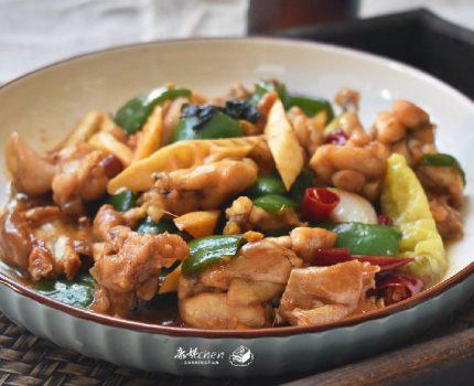 牛蛙最简单好吃的做法,肉质嫩滑,鲜香入味,下饭又下酒比吃肉香