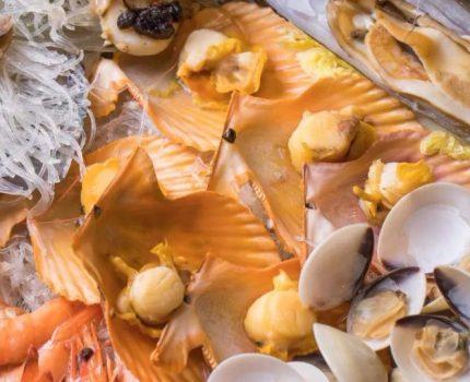 快来当海王!吃这巨盆海鲜还得松下裤腰带!