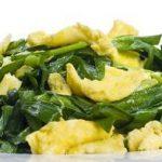 韭菜炒鸡蛋,先炒韭菜还是先炒蛋?大厨来教你,韭菜翠绿鸡蛋滑嫩