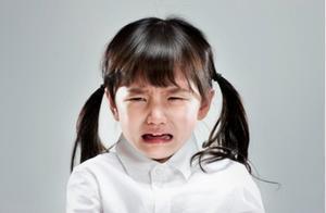 孩子被打后,如果他的反应出现这两种变化,要警惕娃心理有问题了