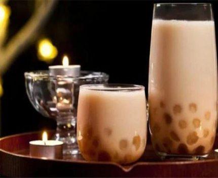 蜡笔小新跨界做奶茶原来奶茶店可以这样开?