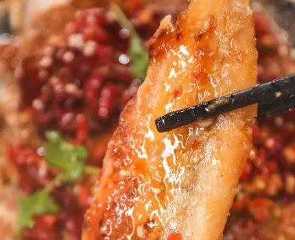 烤鱼套餐!年销2w+无骨纸上烤鱼,蒸完桑拿才上桌!