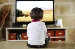 经常宅在家的孩子,和每天出去玩的孩子,长大3点区别很明显