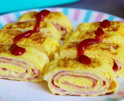 早餐,鸡蛋别总蒸煮了,我家儿子迷上了这做法,一卷一烙吃不够