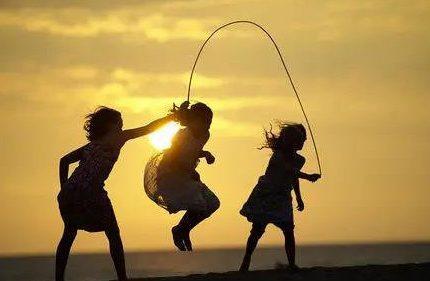 早上空气差、晚上又等于慢性自杀?最佳的跳绳锻炼时间是何时?