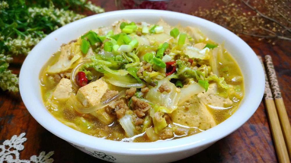 一到秋天,就馋这道菜,炖一锅不到8块钱,上桌连汤都不剩,香!