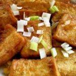 精选美食:锅塌豆腐,松仁玉米,酱香金针菇,蚝油木耳蒸鸡的做法