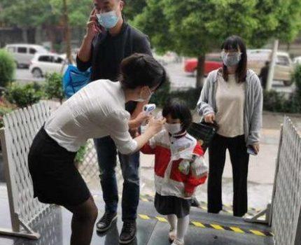 为何幼儿园不让家长进,生活环境不让看?过来人的回答让你安心