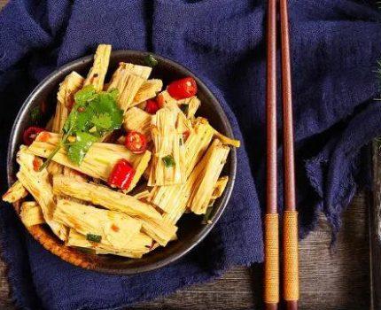 凉拌腐竹怎么入味?这样做好吃有嚼劲!