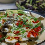 清蒸鱼,鲜嫩好吃不长肉,掌握几个小技巧,啥鱼都能做好