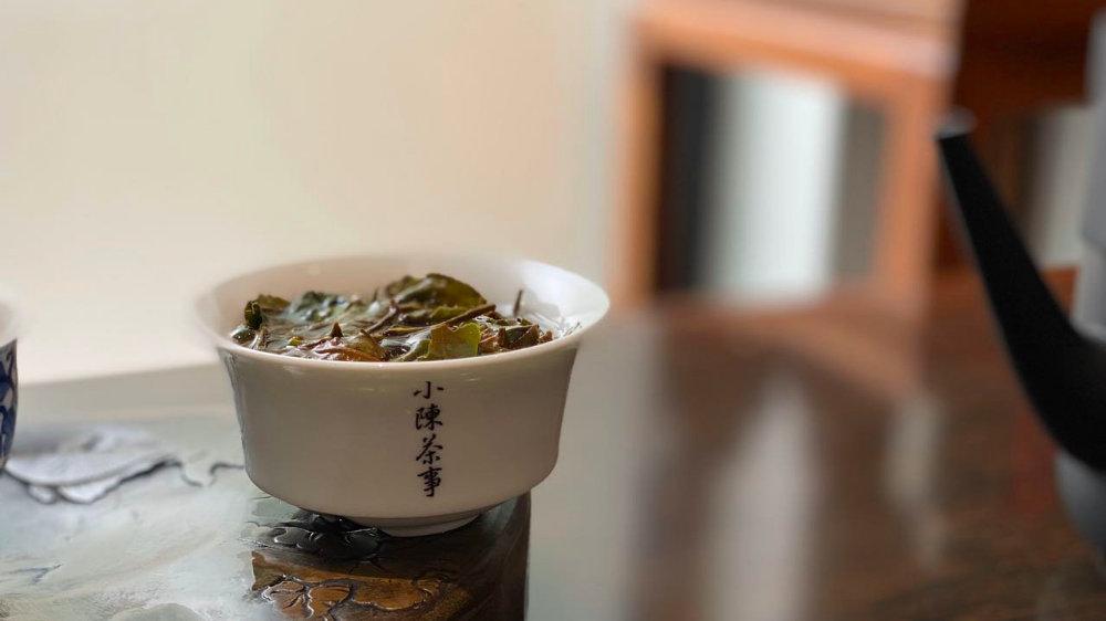 无论岩茶、白茶、红茶、普洱茶,茶汤滋味浓重,就是口感醇厚?