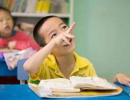 孩子少一只手臂,妈妈在班级群发长文,家长们的反应温暖人心
