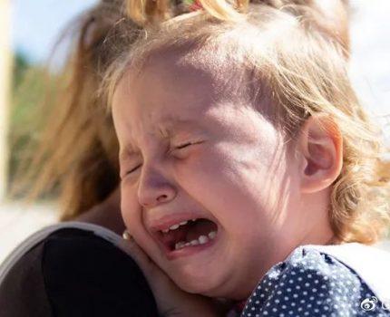 """两岁的孩子可怕?如何让""""可怕的两岁""""变成""""可爱的两岁""""?"""