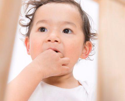 宝宝突然呕吐是怎么回事呢