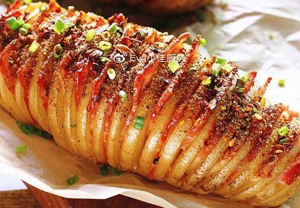 这道烤肉味的土豆太好吃了——风琴培根土豆!