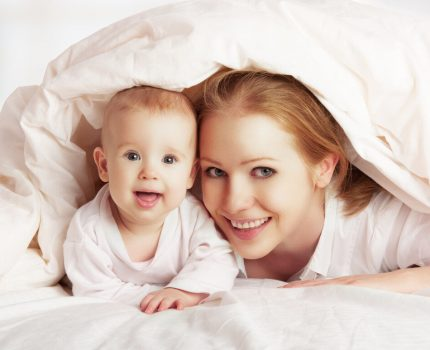 新生儿更亲近妈妈,两个月后就只认妈妈,其中原因很温暖