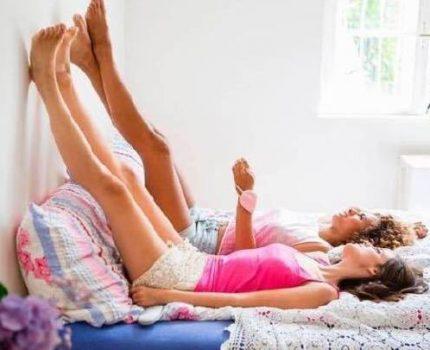 懒人养生必选动作——靠墙抬腿,坚持三个月有惊喜!