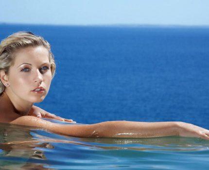 如何提高游泳者在泳池中减肥的效率呢?