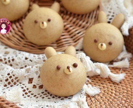 用全麦粉做的兔子馒头萌翻了!一次发酵又暄又软,口感都觉细腻了