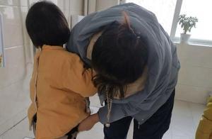 幼园老师误将娃如厕照发交流群,虽秒撤回,但眼尖家长看后要退园
