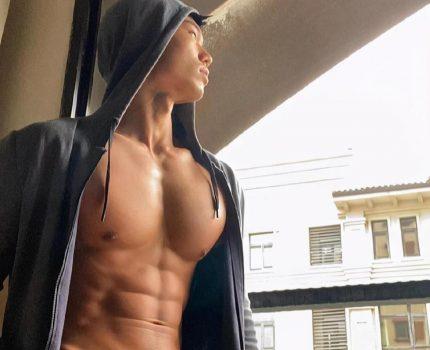 """他是重庆""""名媛一哥"""",肌肉秒杀90%健身教练,网友:想偷袜子"""