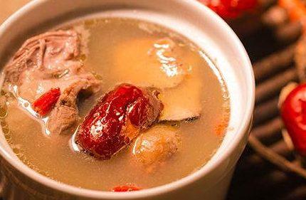 秋冬天气干燥,饮食要多些汤水,适合这季节的煲汤你必须会