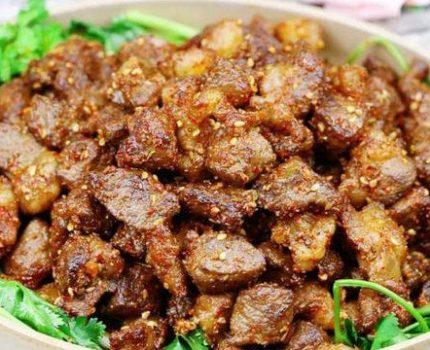 羊肉这样做,粒粒分明,外酥里嫩,完全没有羊膻味儿