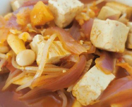 冬至刮油计划,吃欧巴同款韩式辣白菜豆腐汤。