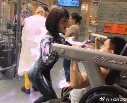 国产女教练化身战斗天使,健身好身材挡不住,网友:想上她的课