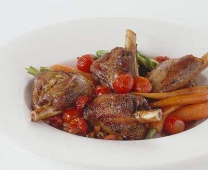 今晚吃红焖羊腿,鲜香软嫩,太费米饭!隔屏馋哭了