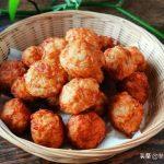 素炸萝卜丸子的小技巧,加入这个食材一起炸,丸子金黄酥香又蓬松